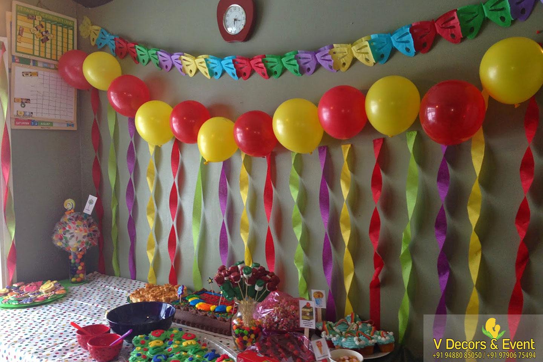 Le Roayl Park Birthday Decorations